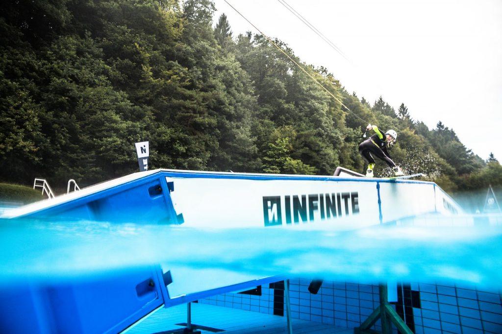Infinite Ponyhof bs boardslide