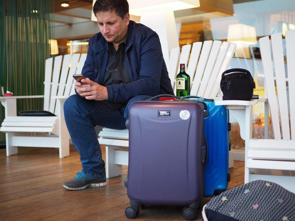 Barcelona-Tipps-Reiseguide-Travelblog-Flughafen-Lounge