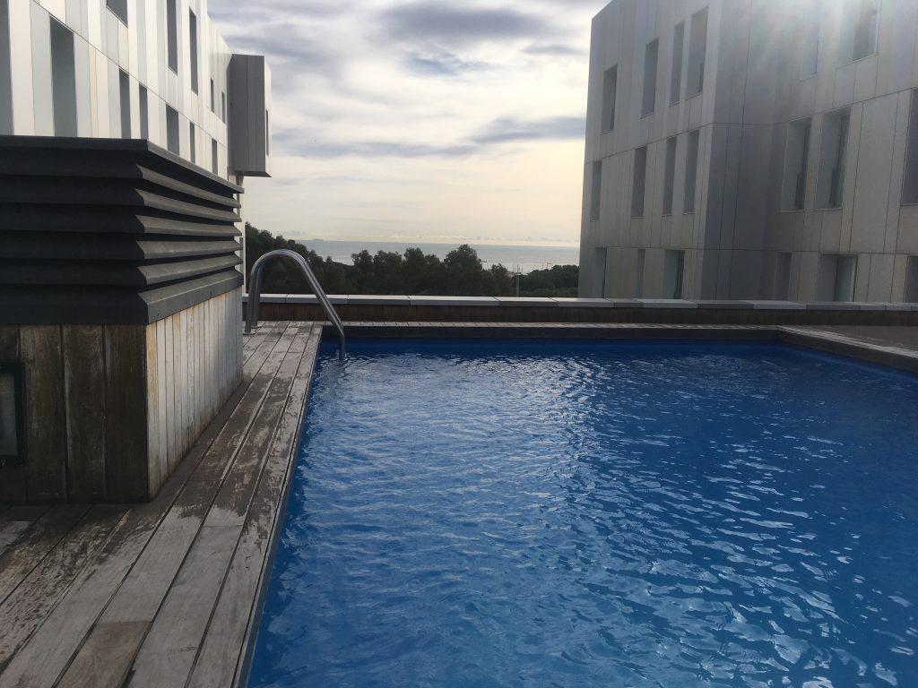 Barcelona-Tipps-Reiseguide-Travelblog-Poblenou-Apartment-Lugaris-Beach-Dachterasse-Pool