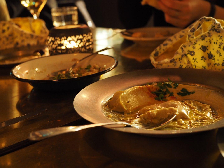Hamburg-Restaurant-Tipp-Hafencity-NENI-Hamburg-Mezze-Hummus-Naan